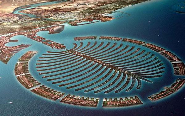 Palm-Island-Spectacular-artificial-island-Dubai-United-Arab-Emirates